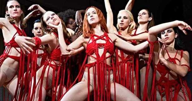 Suspiria-Remake-Dakota-Johnson-Photo-Blood-Ballet