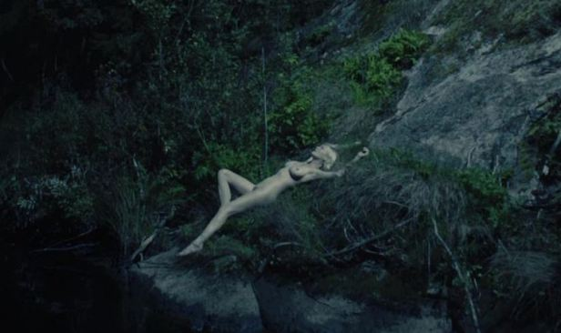 kirsten-dunst nude melancholia tits boobs tette